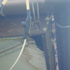軽量で建物への負担も少ない、ガルバリウム鋼板の屋根。カバー工法で費用面と耐久性を兼ね備えるリフォーム。のサムネイル画像3