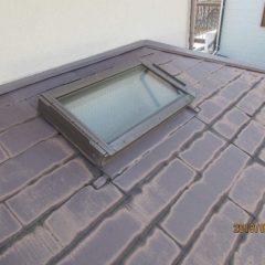 軽量で建物への負担も少ない、ガルバリウム鋼板の屋根。カバー工法で費用面と耐久性を兼ね備えるリフォーム。のサムネイル画像9