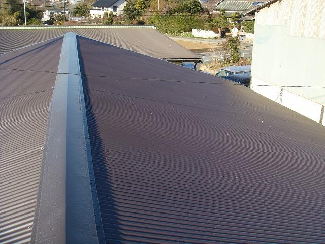 既存の屋根より、軽量に、強固に、仕上げました。
