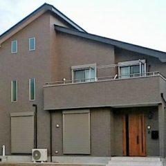 地震対策と吹抜けでも暖かい、家族の気配を感じられる家のメイン画像です
