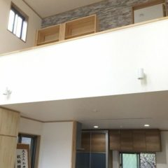 地震対策と吹抜けでも暖かい、家族の気配を感じられる家のサムネイル画像3