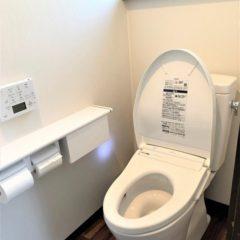 使いづらかった和式トイレを、手すり付きのオート機能トイレへのサムネイル画像4