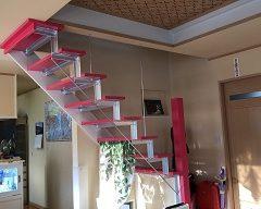 ニッチとカラフルな階段が素敵です。のサムネイル画像2