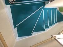 ニッチとカラフルな階段が素敵です。のサムネイル画像3